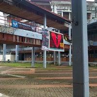 Photo taken at Universitas Hasanuddin by Alexander K. on 11/22/2012