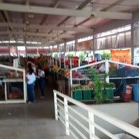 Photo taken at Novo Mercado da Feira by Maria R. on 5/23/2014