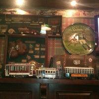 10/27/2012 tarihinde nina t.ziyaretçi tarafından Edward's Coffee'de çekilen fotoğraf