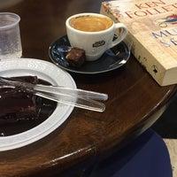 Photo taken at Café do Ponto by Fatima L. on 10/8/2016
