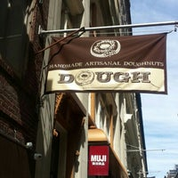 Photo prise au Dough par Robert M. le6/13/2016