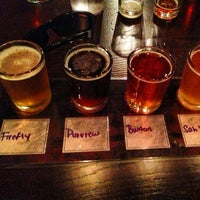 Photo taken at Dogfish Head Brewings & Eats by Paul C. on 7/8/2013