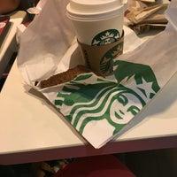 5/26/2016 tarihinde Bing M.ziyaretçi tarafından Starbucks Coffee'de çekilen fotoğraf