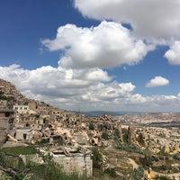 Photo taken at Göreme Old Capadocia by Ozan A. on 5/13/2018