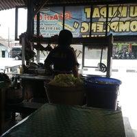 Photo taken at Kupat Tahu Dompleng Blabak by Bambang K. on 3/11/2014