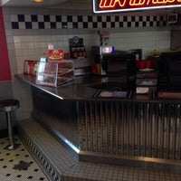 Photo taken at Steak 'n Shake by CLEOtheCOOL on 5/18/2014