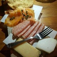 Foto tirada no(a) Oporto Fooding House & Wine por Corinna K. em 3/25/2017