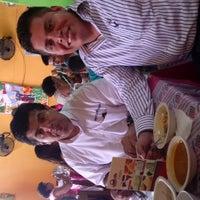 Photo taken at Mariscos Juan Chinchoncha by Ivan R. on 10/1/2014
