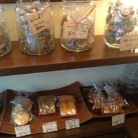 Photo taken at オーブン菓子専門店 チェシャ cheshire by NOBUYASU M. on 7/4/2013