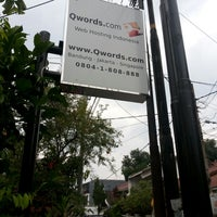 Photo taken at Qwords.com Web Hosting Indonesia - Bandung Office by Dede Anto S. on 12/2/2014
