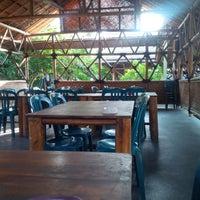 Photo taken at Pasundan Wisata Kuliner by Ulfa D. on 6/8/2014