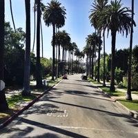 Das Foto wurde bei Streets of Beverly Hills von Egor S. am 5/20/2014 aufgenommen