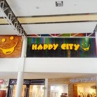Foto tomada en Happy City Éxito por Henry V. el 3/25/2014