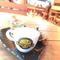 Photo taken at Retrosfer Cafe & Restaurant by Hasan B. on 11/28/2017