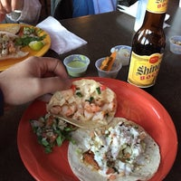 Foto scattata a Georgee's Baja Grill da Oscar A. il 12/24/2014