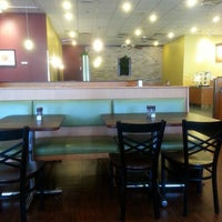 Photo taken at Crispers Fresh Salads, Soups and Sandwiches by Vicky P. on 2/18/2014