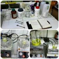 Photo taken at fen fakultesi anorganik kimya laboratuvarı by Zülal T. on 3/29/2015