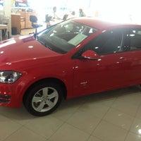Foto tirada no(a) Saga (Volkswagen) por Italo M. em 8/19/2014