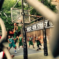 Photo taken at House Of Hoops by Angie S. on 5/29/2015