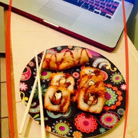 Foto tomada en Sticks Sushi + Ensaladas + Pastas por Cherry N. el 7/2/2014