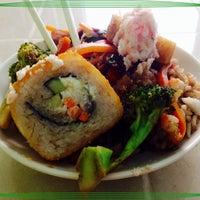 Foto tomada en Sticks Sushi + Ensaladas + Pastas por Cherry N. el 7/21/2014