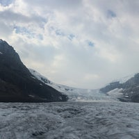 Photo taken at Athabasca Glacier (Trailhead to) by Adri N. on 9/2/2017