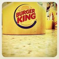 Foto tirada no(a) Burger King por Gustavo E. em 5/18/2012