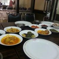 Photo taken at Sederhana Matraman by Thanit E. on 9/9/2012