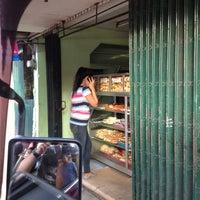 Photo taken at Mang Bob's by Juan Carlo A. on 10/26/2012