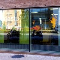 Photo taken at Saunalahden kirjasto by Riku N. on 10/12/2013