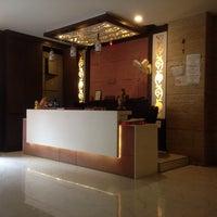 Photo taken at Shelton hotel by Shin Ja L. on 8/8/2014