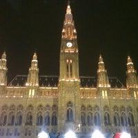 Das Foto wurde bei Rathausplatz von Paul K. am 10/12/2012 aufgenommen