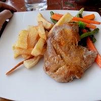 Foto tomada en La Casona Restaurant por Paula T. el 5/3/2014