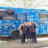 Foto tomada en Merodeando Bistro Truck por Merodeando Bistro Truck el 2/10/2014