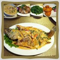 Photo taken at 雲之泰 Yunnan & Thai Food by Kochia L. on 5/4/2013