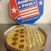 Foto tirada no(a) America Pizza por Murilo M. em 3/27/2014