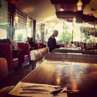2/25/2013 tarihinde Lee S.ziyaretçi tarafından Pann's Restaurant & Coffee Shop'de çekilen fotoğraf