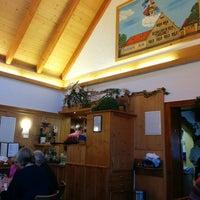 Снимок сделан в Gasthaus zum Alten Forsthaus пользователем Michael G. 5/4/2014