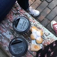 Das Foto wurde bei Caffe Furbo von Dilara S. am 9/3/2017 aufgenommen