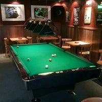 Das Foto wurde bei Yours Sports Bar von Ali S. am 4/23/2017 aufgenommen