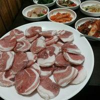 Photo taken at Yang Won Restaurnat (장원) by Flor G. on 2/15/2014