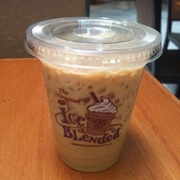 Photo taken at The Coffee Bean & Tea Leaf by Lydia S. on 10/21/2014