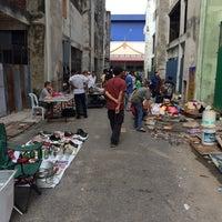 Das Foto wurde bei Pasar Karat von Khairold S. am 8/1/2014 aufgenommen