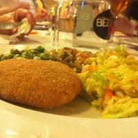 Foto tomada en Restaurante Vegaviana por Franz Z. el 3/21/2014