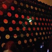 Снимок сделан в Rádio пользователем Sandra O. 3/17/2013