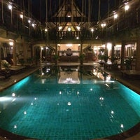 Photo taken at Ruean Thai Hotel Sukhothai by Taa C. on 5/12/2014