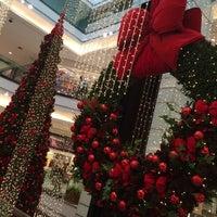 Foto tirada no(a) Billabong Store por Gregxxx em 11/21/2014