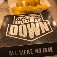 Photo taken at KFC by Fadhlizwan🕴🏻 on 7/22/2017