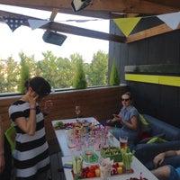 Снимок сделан в Botaniqué Bar пользователем Диана Ш. 7/3/2016