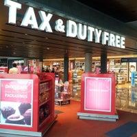 Photo taken at Duty Free Shop by Pablo M. on 5/23/2013